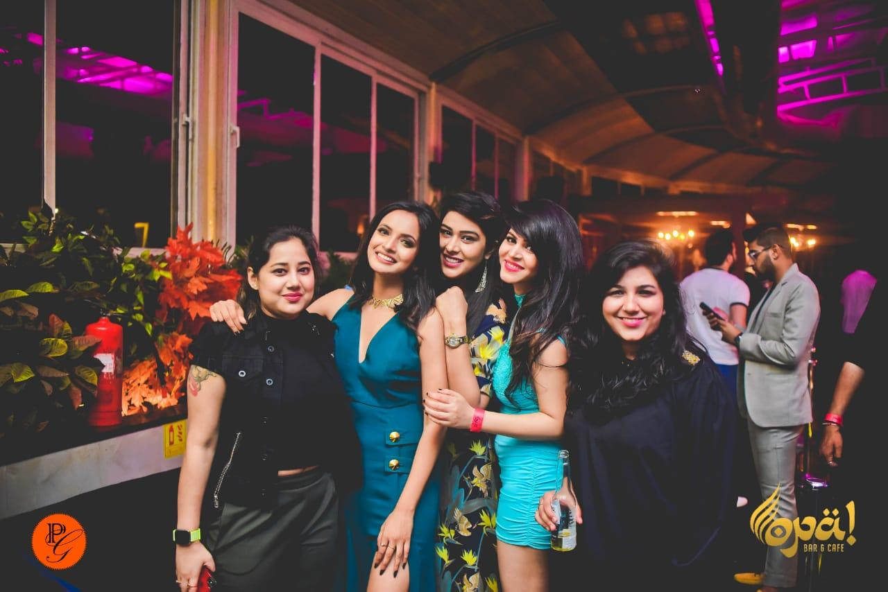 Music video Queen Annsh Shekhawat celebrates her birthday with family & friends