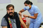 अभिनेता सुरेंद्र पाल ने भी लगवाया कोरोना का टीका