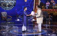 KBC contestant Sumit Kaushik, an IAS aspirant from Delhi, receives BYJU'S IAS Digital Program