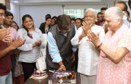 Pyarelal Ji came specially to attend birthday of Chirag Shah at GoCeleb office